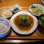 ビジョナリー カフェ スウィーツ - ハンバーグ定食