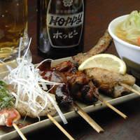 串焼き処ディズ - お得な串焼き五本盛。五本で500円