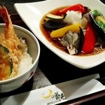 月の蕎麦 - 「夏野菜の揚げ浸しそば」(¥900税別)と「ミニ天丼」(¥450税別)