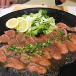 寿司家天神本店 - 佐賀牛もものタタキ、赤身の柔らかいお肉にジャポネソースが絡んでとても美味しかったです。