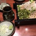 そばと地酒 閑雲 - 三浦産大根を用いた「三浦せいろ」(885円)