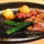 花ごころ - 牛サガリの鉄板ステーキ