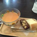 カメイノ食堂 - 超ウマウマのプリンとフワフワのシフォンとチョコマーブルのケーキ。
