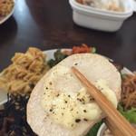カメイノ食堂 - 大根のステーキにとろりチーズ!