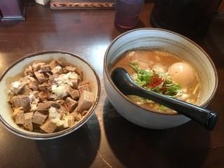 麺処 と市 - 味玉らーめん並&ちゃーしゅー丼