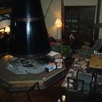 レストランバーラルコル - 1階暖炉がある