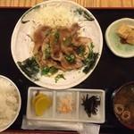 51854892 - 三元豚生姜焼き1,500円!