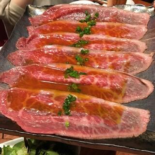 代官山 焼肉かねこ - 肉の前菜 KANEKOのローストビーフ