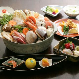 四季折々の食材を使った和食を堪能できる