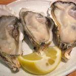 牡蠣バル - 生牡蠣3種食べ比べ
