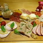 kitchen Bar Sorriso - 前菜盛り合わせ 1380×2 2760円