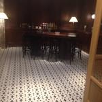 タモン - 応接室の様なディナーテーブル