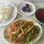 大芳飯店 - 豚肉とピーマン竹の子炒め定食 700円