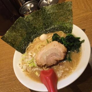 武松家 - 醤油豚骨ラーメン・並(750円)2016年6月