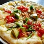 ラ パーチェ - 「彩り野菜のピッツァ」¥1,580