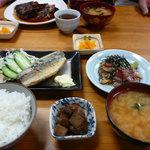 柳橋食堂 - 日替わり定食 海鮮ごまあえとあじフライ、小鉢付き