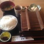 ごはん喫茶まんま - 料理写真:デミグラスハンバーグ定食 ¥1080