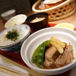 51870504 - ルスツ産もち豚の角煮(今日の昼献立のニク料理