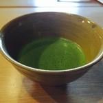 萬御菓子誂處 樫舎 - お抹茶も美味しかったです。