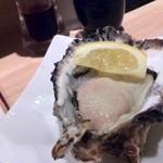 すしまる - 牡蠣 その①:岩塩レモンで