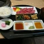 近江牛一筋 農家レストラン だいきち - 近江牛網焼きランチ(1,790円+税)