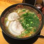 博多いち - 野菜とんこつラーメン 750円
