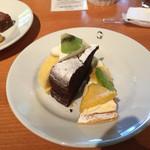 たねや 守山玻璃絵館 - フルーツタルト、ロールケーキ、ショコラ