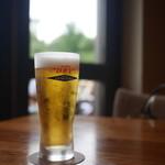 スラッシュカフェ - ドラフトビールはスーパードライのエクストラコールド