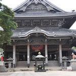 門前そば 山彦 - 豊川稲荷 本殿 お稲荷さんを祭った 曹洞宗のお寺です。