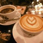 51880917 - 珈琲とカフェラテ