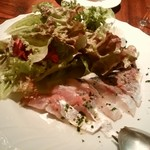 サウダージ - 関アジのカルパッチョとサラダ