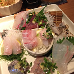男魚魚 - 刺し盛り この日は9点盛り で 980円!