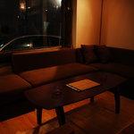 ヨコハマ ジャーク - 特別な感じのソファー席