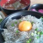 地魚・定食 祥天丸漁業 - シラス丼