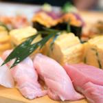 魚河岸寿司 - 料理写真:2016.6 トロの握りなど(松コース6,480円×2)
