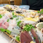 魚河岸寿司 - 2016.6 20種類ぐらいの刺し盛り(松コース6,480円×2)