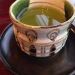 51893514 - 緑茶(食事前) 織部