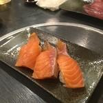 虎寿司 - サーモン