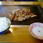 のなみ - [2016/06]かしわ焼き(550円)+ライス小(150円)