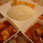 スリランカ・インド家庭料理 TANGALLE - ランチBセットはカレー2種類 ナンかライスが選べます