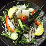 南屋和牛堂 - 色々季節野菜の和風サラダ 自家製ポン酢ジュレドレッシング