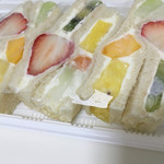 ヤオイソ - スペシャルフルーツサンド(¥864)