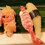 Isozushi - 磯寿司@築地市場場内 特上にぎり 赤貝、車海老(ボイル)、数の子