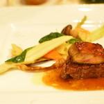 シェヌー - 仙台牛フィレ肉のフォアグラ添え
