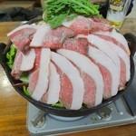 お食事処 もとだき - 猪鍋(2) ※なかなかの盛りです