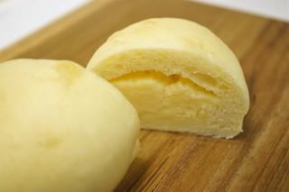 スギノキ - クリームパン断面