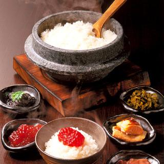 白で始まり白に終わる。和の心を大切にした料理の数々。