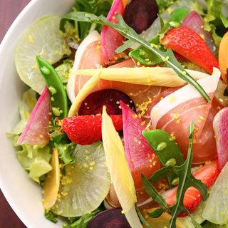 三浦野菜の提携農家さんから毎日届く彩り豊かな季節の新鮮野菜!