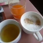 ガスト - 料理写真:スープ、野菜ジュース、カプチーノ