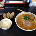 味源 - オロチョン餃子セット1020円